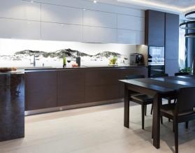 ZAŚNIEŻONE GÓRY - hartowany panel szklany do kuchni na wymiar