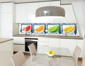 Owoce w lodzie